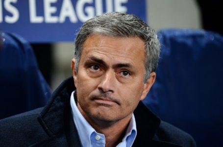 """""""Mançester Yunayted""""  Mourinyo ilə müqaviləni yeniləməyə hazırlaşır"""