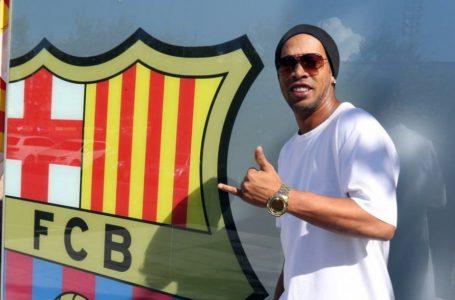 """Ronaldinyo yenidən """"Barselona""""da"""
