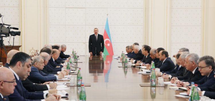 Əliyev  nazirləri yenidən topladı- FOTO