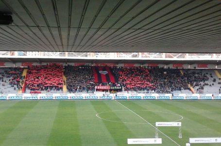 """İnönünün açdığı """"19 Mayıs"""" stadionu sökdürülür: Yerində  41 min yerlik yeni stadion tikiləcək"""