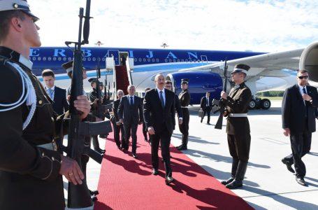 Əliyev Latviyaya getdi – FOTO