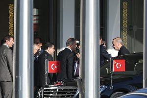 Türkiye Cumhurbaşkanı Recep Tayyip Erdoğan, çeşitli temaslarda bulunmak üzere  Azerbaycan'ın başkenti Bakü'ye gitti. Başkan Erdoğan'ı, Atatürk Havalimanı Devlet Konukevi'nden Cumhurbaşkanı Yardımcısı Fuat Oktay, İstanbul Valisi Vasip Şahin ve bazı ilgililer uğurladı. Milli Savunma Bakanı Hulusi Akar da Cumhurbaşkanı Erdoğan ile Bakü'ye hareket etti.  ( Arif Hüdaverdi Yaman - Anadolu Ajansı )