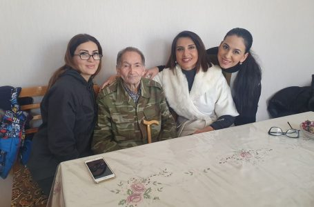"""Millət vəkili-""""CANLI ENSİKLOPEDİYA"""" İLƏ BİR ARADA -FOTOLAR"""