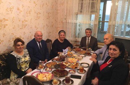 """""""Böyüyə hörmət, ağsaqqal və ağbirçəkdən xeyir dua-almaq…"""" – MİLLƏT VƏKİLİ – FOTOLAR"""