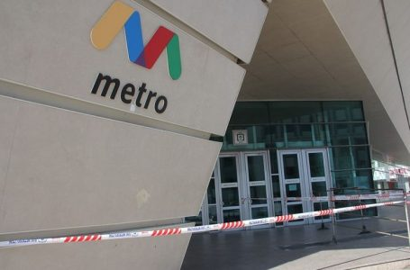 Metro stansiyalarının girişində sərnişinlərin hərəkəti bir qədər də-MƏHDUDLAŞDIRILDI – FOTOLAR