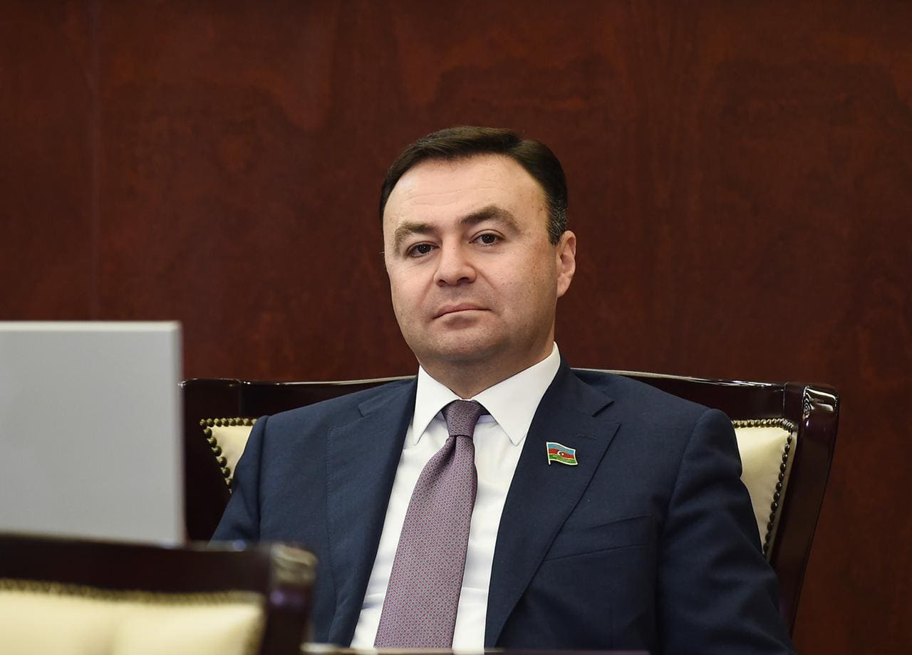 """Deputat yardım aksiyasını davam etdirir: """"Bu gün daha 60 evdə olacaqlar"""""""
